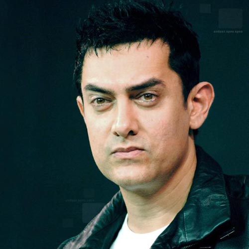 Vote intelligently, says apolitical Aamir Khan