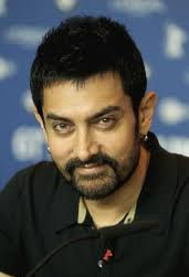 Aamir brings smile to 'Jalpari' director