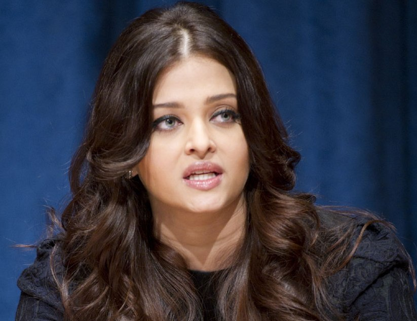 I wasn't very comfortable with kiss in Dhoom 2, says Aishwarya Rai Bachchan