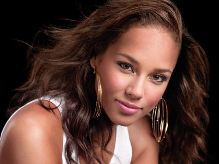 Alicia Keys ''is a blissful mother''