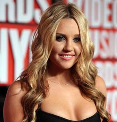Amanda Bynes advised against joining fashion school