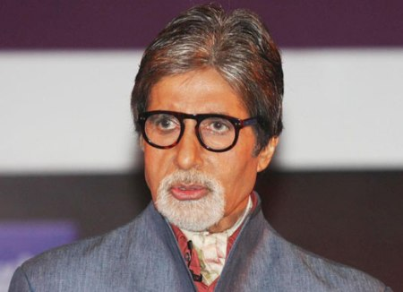 """Big B feels odd to be awarded Filmfare """"at this age"""""""