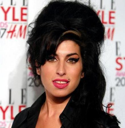 Amy Winehouse ponders fame in trailer for documentary