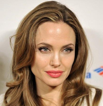 Angelina Jolie 'totally transformed' for 'Maleficent'