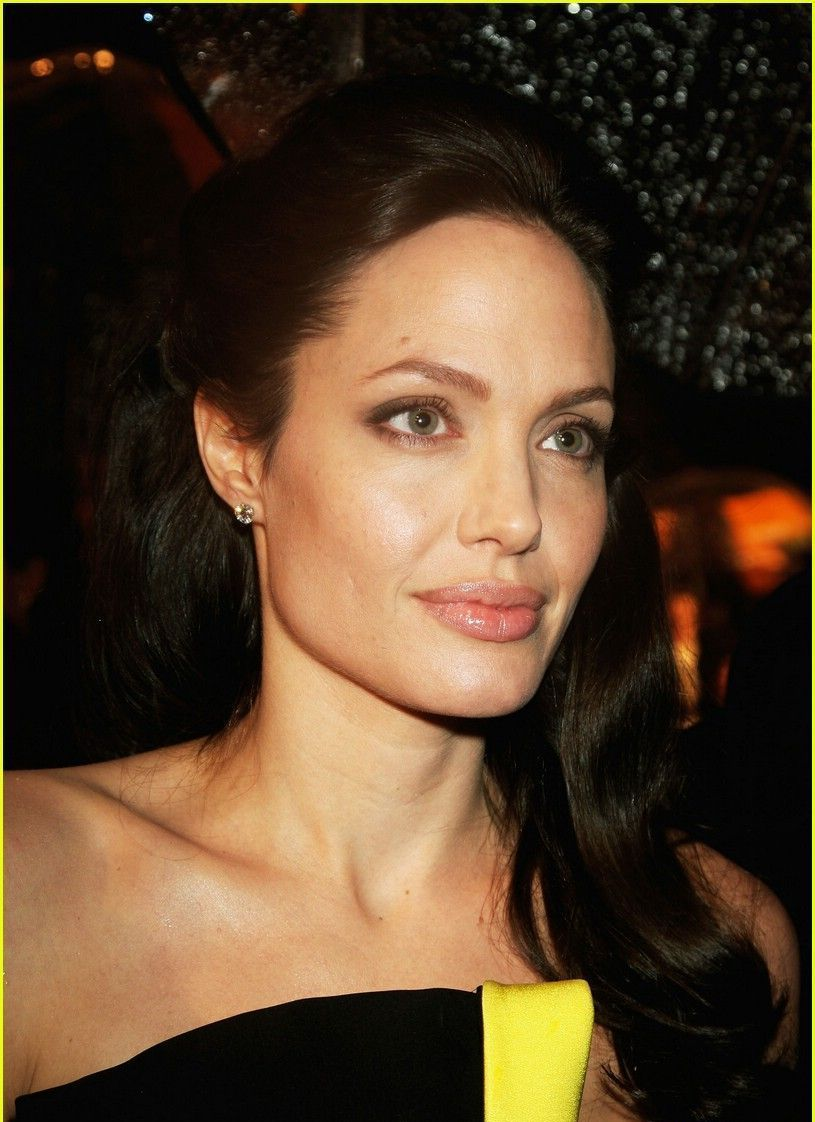 Jolie 'was eyeing Depp and