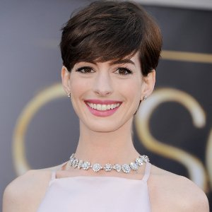 Anne Hathaway wins best supporting actress Oscar 