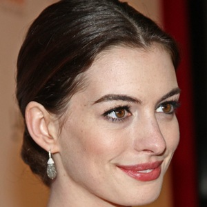 Anne Hathaway does own stunts to bring out her 'daredevil side'