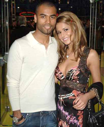 Ashley Cole dating Cheryl Cole lookalike