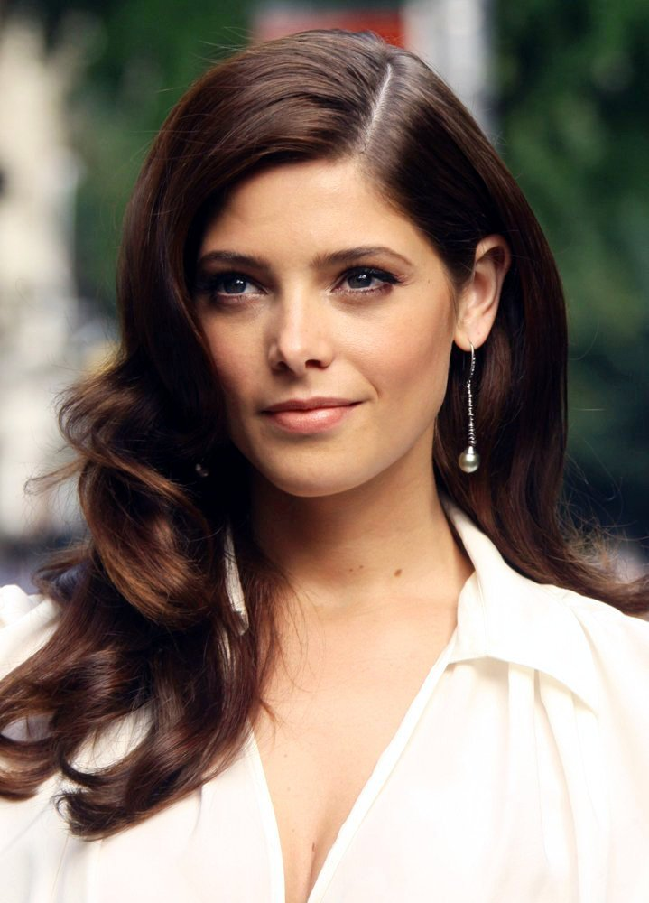 Ashley Greene  TopNews...