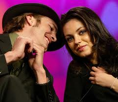 Ashton Kutcher and Mila Kunis spotted `kissing`