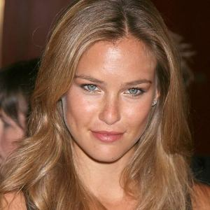 DiCaprio, Refaeli a loved up couple