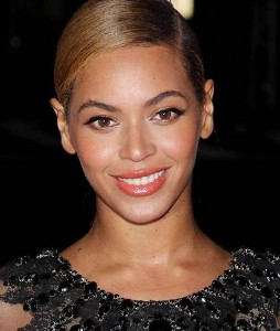 Is Beyonce the new face for H and M?