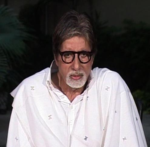 Pran saheb doing fine, says Big B
