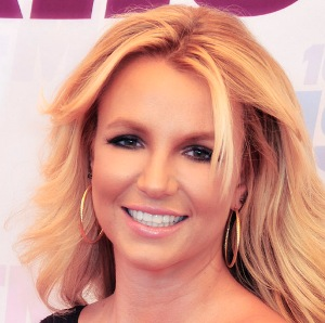 Britney Spears confesses to having had lip injections