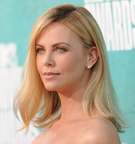 I don't have issues getting naked, says Charlize Theron