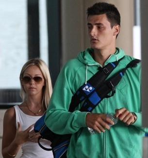 Bernard Tomic `dating` blonde model Chelsey Grbcic