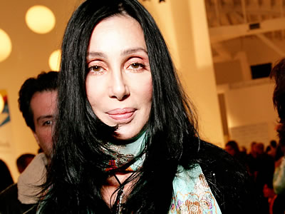 Cher impressed by Aguilera's acting