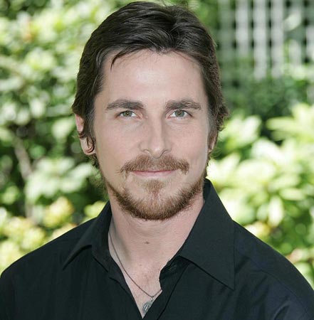 Christian Bale wants Clooney to 'stop whining' about paparazzi