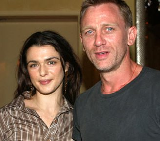 http://topnews.in/light/files/Daniel-Craig-Rachel-Weisz.jpg
