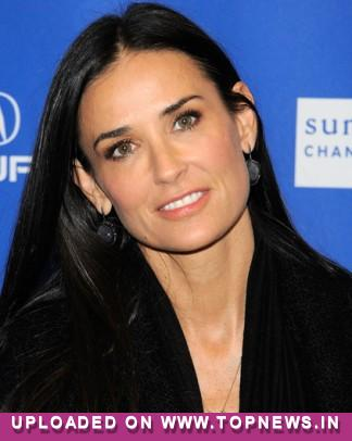 Demi Moore maintains silence over Ashton Kutcher divorce