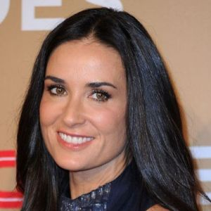 Demi Moore seeks to reach out to daughters