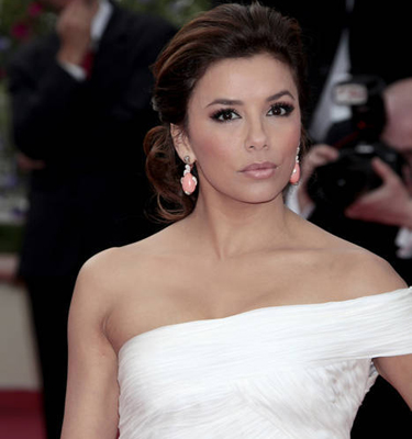 Eva Longoria produces series on Latino maids in Beverly Hills