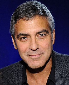 Clooney's mom wants him to marry wrestler