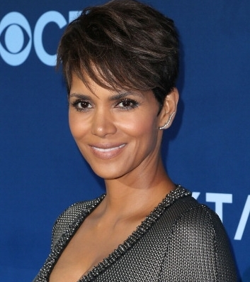 Halle Berry London Aug 18 Halle Berry is the hottest mum in Hollywood