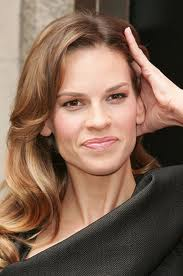 Hilary Swank adopts dog