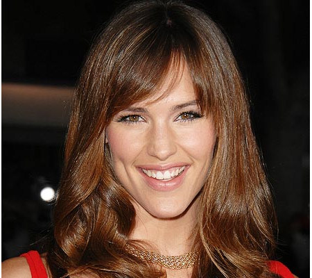 Jennifer Garner uses fame for charity