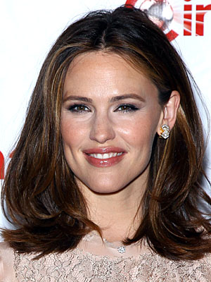 Jennifer Garner quips about `imperfect parenting skills` on TV show