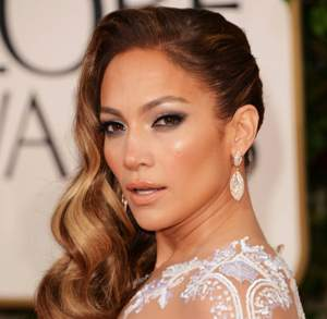 J.Lo not unhappy with mag cover pic, says manager