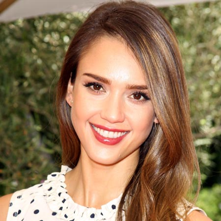 Jessica Alba admits to being 'always kind of insecure'