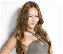 Jessica Michibata returns to home country to support Jenson Button at Japanese Grand Prix