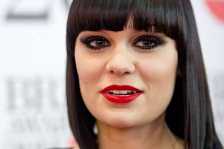 Jessie J heart broken over her broken foot | TopNews