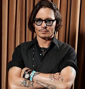 Has Depp bought villa in Hollywood for Paradis?