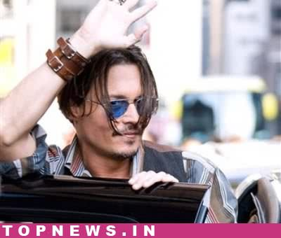 Kissing Jolie was easy: Depp London, Dec 9 - Johnny Depp feels on-screen