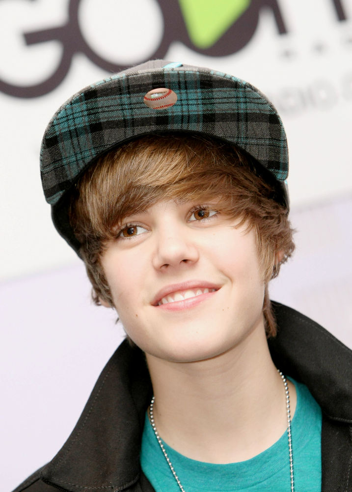 justin bieber 2011 new haircut wallpaper. photoshoot 2011 new hair