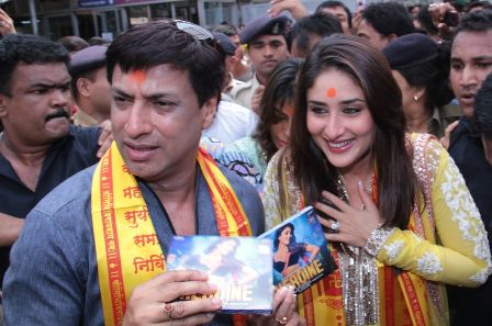 Kareena, Bhandarkar seek Ganapati's blessings for 'Heroine'