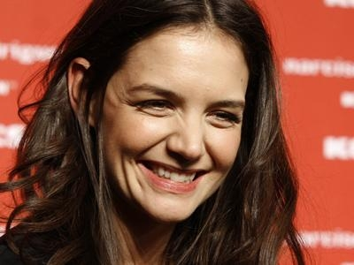 Katie Holmes `mulling over reunion with Tom Cruise`