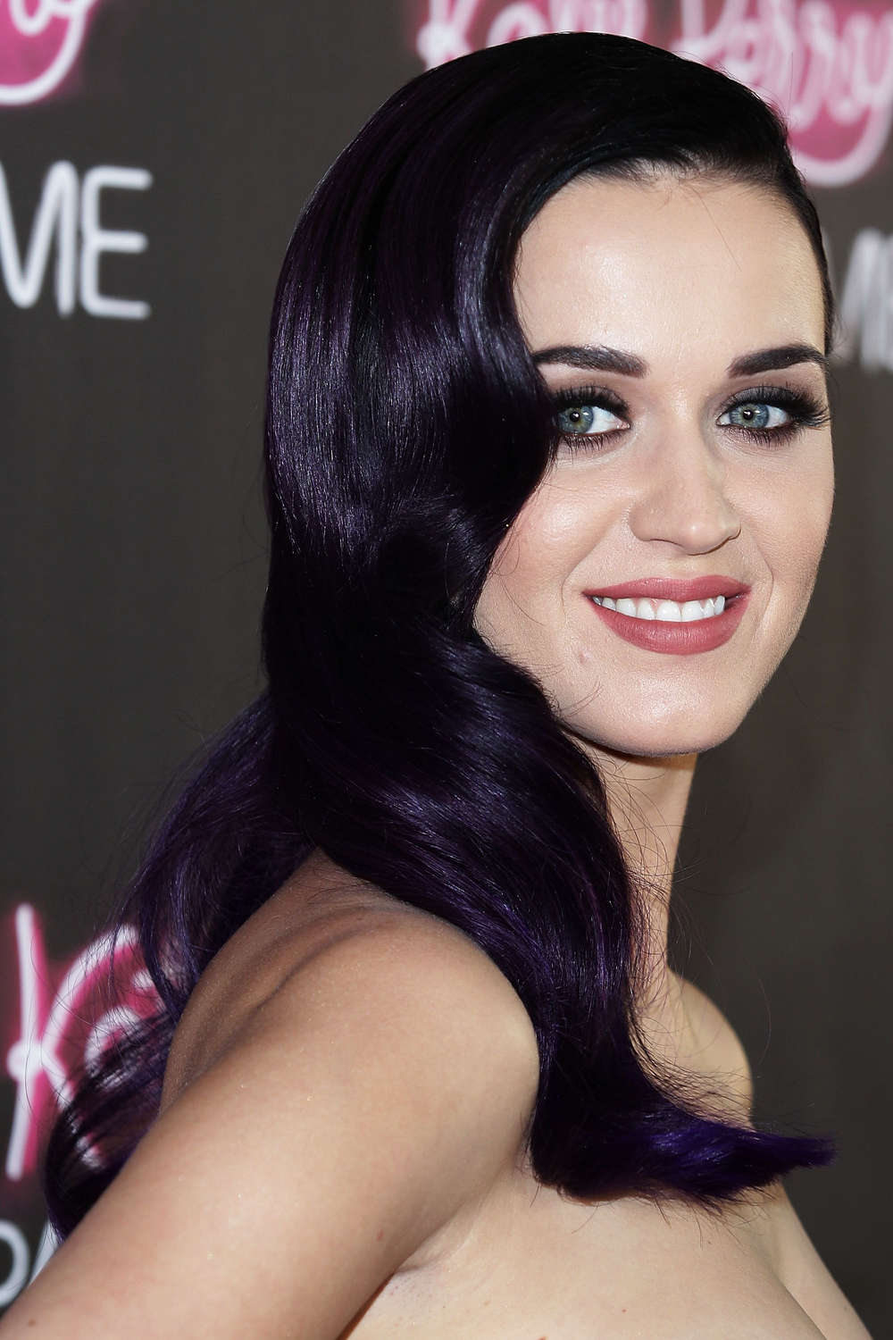 Katy Perry `not on talking terms with RiRi over Chris Brown`