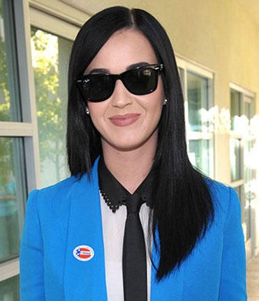 Katy Perry credits Obama's win to `lucky panties`