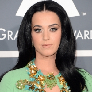 Katy Perry flashes heart shaped engagement ring on Valentine`s date with John Mayer