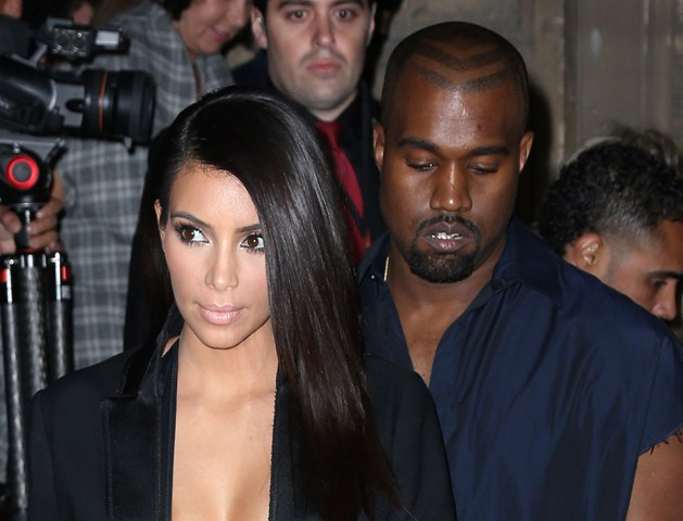 Kimye 'booed' by fans for turning up late at fashion show