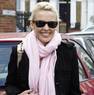 Limousines are embarrassing, says Kylie Minogue