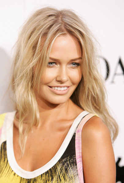 hot and sexy lara bingle, hot lara bingle in bikini, hot lara bingle wallpapers and photos, hot lara bingle boobs/breasts
