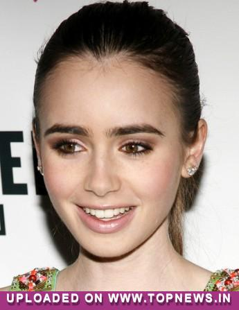 Lily Collins hated 'Mirror, Mirror' costumes
