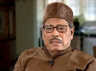 Manna Dey's condition stable, though critical