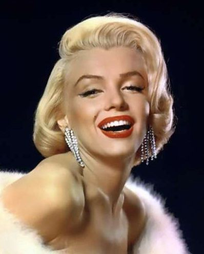 http://topnews.in/light/files/Marilyn-Monroe_17.jpg