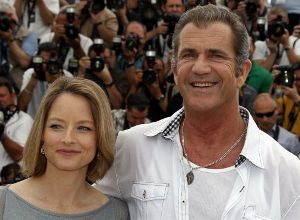 Is Mel Gibson dad to `gay` Jodie Foster's kids?